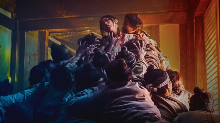 Nếu phải cách ly 2 tuần, đây là 14 tựa phim về bệnh dịch  zombie để bạn thử thách độ can đảm (Phần 2) ảnh 16