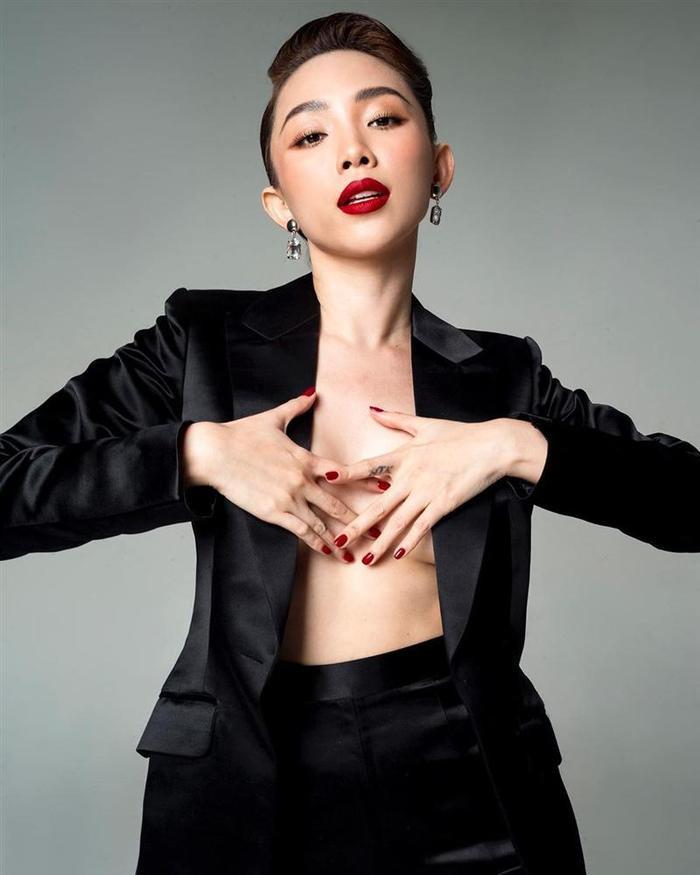 Mặc kệ Hoàng Touliver, Tóc Tiên công khai giành giật trai đẹp với Diệu Nhi ảnh 3