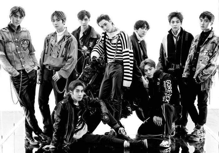 EXO ở vị trí thứ 2 với hơn 11 triệu bản.