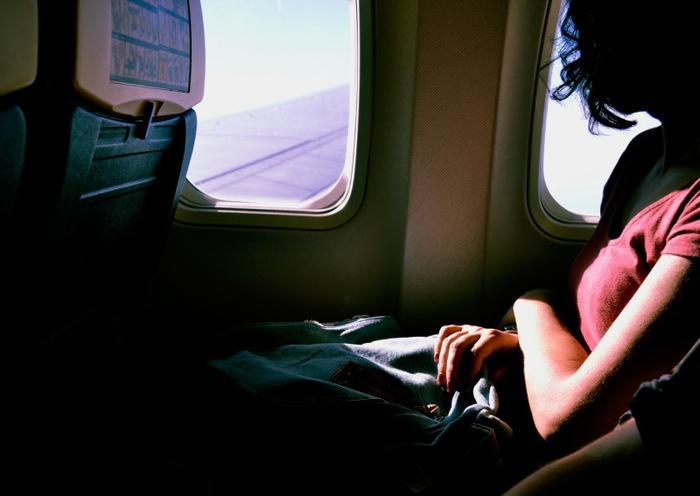 Bất chấp hướng dẫn của cơ quan y tế, Li vẫn tìm mọi cách để lên máy bay.