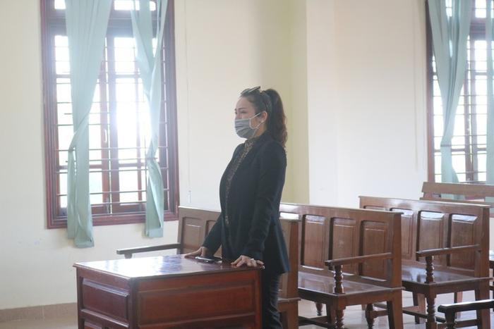Hình ảnh Nhật Kim Anh trong buổi xét xử tại toà án