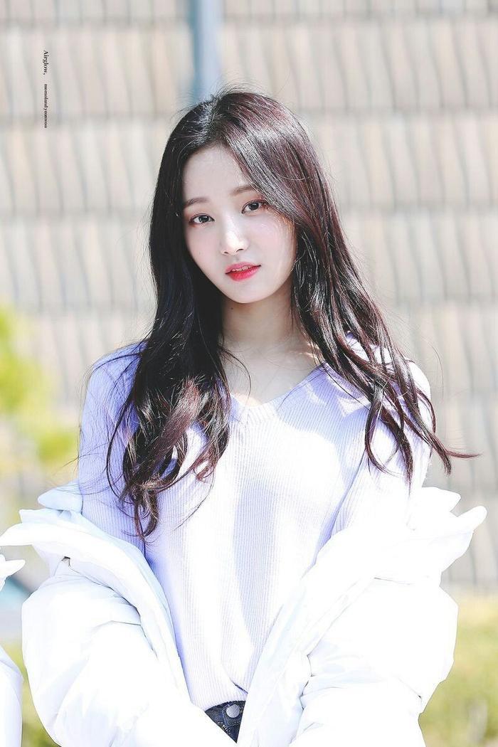Yeonwoo.
