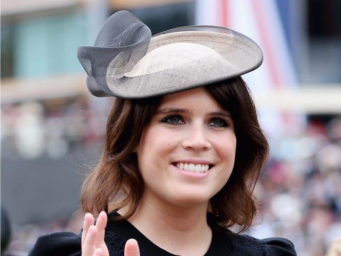 Trong sự kiện Royal Ascot vào tháng 6 năm 2013, cô chọn cho mình một chiếc mũ tinh tế hơn nhiều, được sáng tạo bởi nhà thiết kế Nerida Fraiman. Tuy vậy hình dáng của chiếc mũ này vẫn cực kỳ khác bọt so với các hoàng gia khác.