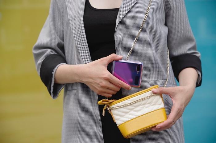 Galaxy Z Flip được tin sẽ tạo nên xu hướng trong cả lĩnh vực công nghệ và thời trang.