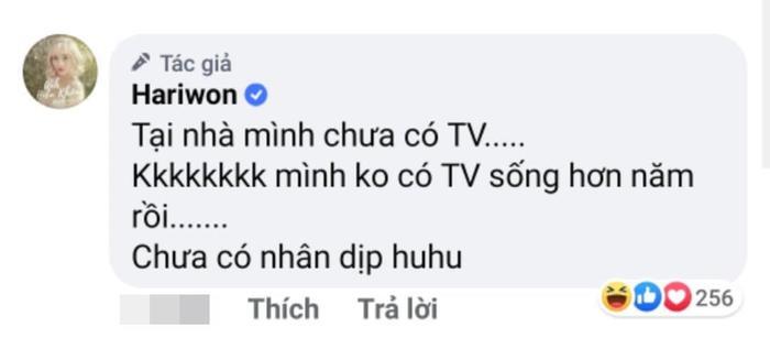 Hari Won khoe ảnh Trấn Thành hát karaoke cực sung cùng hàng xóm, nhưng fan lại soi ra chi tiết sai quá sai này ảnh 2