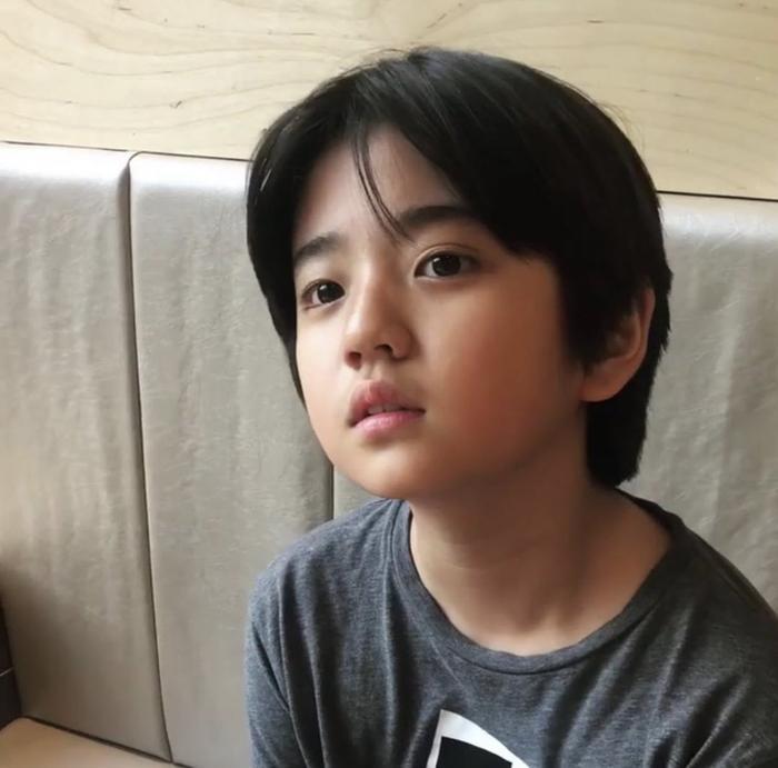 Vẻ điển trai của Kim Kang Hoon