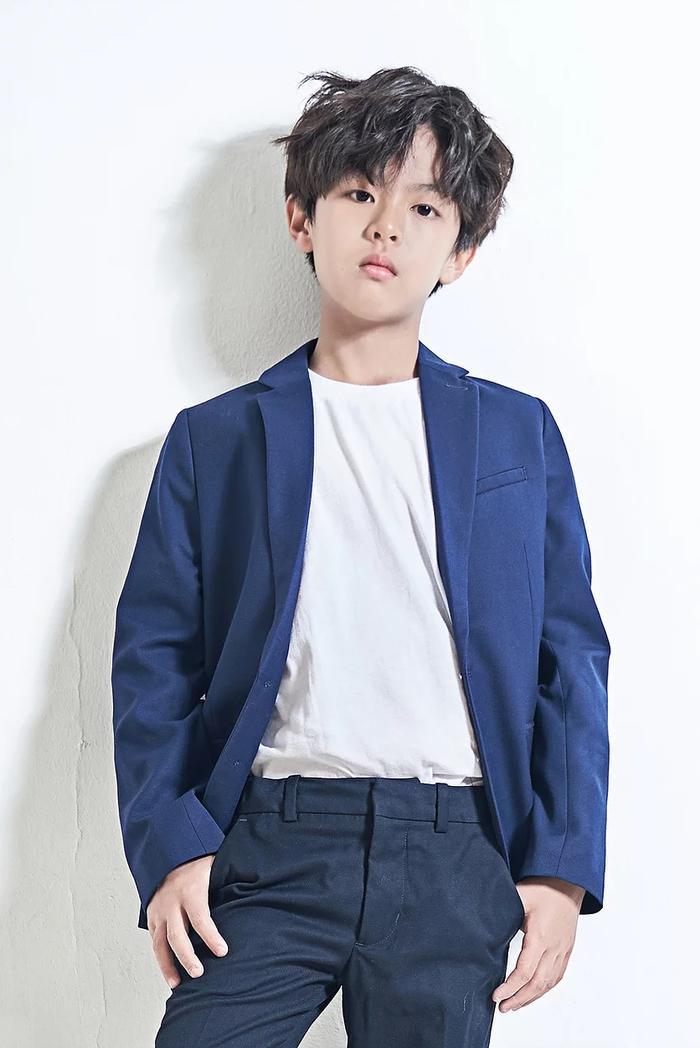 Dàn diễn viên nhí mới nổi của màn ảnh Hàn: Phiên bản thu nhỏ của V(BTS) gây sốc, con gái mẹ Kim Tae Hee nhận cơn mưa lời khen ảnh 11