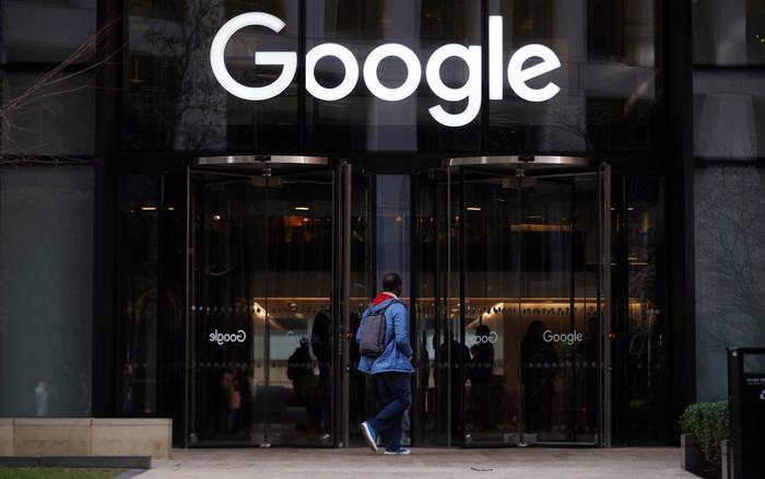Bất chấp dự báo doanh thu quảng cáo đi xuống, Google và Facebook vẫn được dự đoán sẽ thu về lợi nhuận hoạt động lần lượt là 54,3 tỉ USD và 33,7 tỉ USD trong năm 2020. (Ảnh: BI)