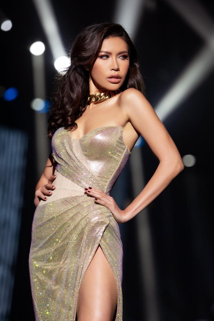 Minh Tú tự nhận là Miss Supermarket: 'Sửa thẩm mỹ phải cân nhắc, đừng làm ngực như trả thù đời'