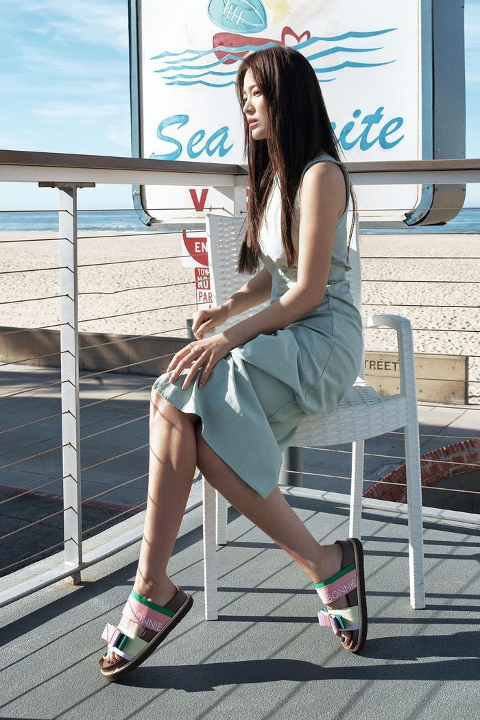 Đẹp xuất sắc hậu ly hôn, Song Hye Kyo khoe vóc dáng nuột nà gợi cảm ở tuổi 38 ảnh 4