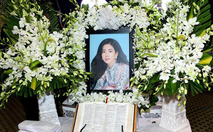 NSND Hồng Vân viếng mộ Anh Vũ, nhắn gửi tâm nguyện về Mai Phương khiến ai đọc cũng xúc động ảnh 4