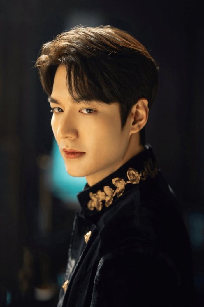 Phim truyền hình Hàn Quốc tháng 4: Hot 1000 độ với sự trở lại của Lee Min Ho cùng cặp đôi biên kịch – đạo diễn của 'Hậu duệ mặt trời'