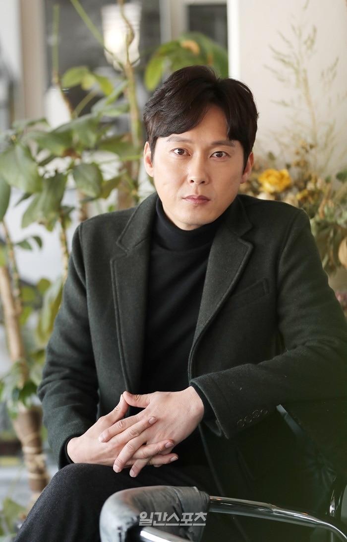 """Ba chàng """"soái ca"""" chuẩn bị theo đuổi Jang Nara trong phim -Lee Byung Eun."""