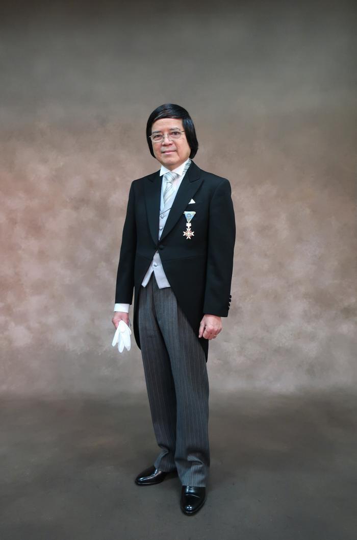Huân chương Thụy Bảo là tặng thưởng của Nhật hoàng dành cho những cá nhân nước ngoài có đóng góp vào sự phát triển chính trị, kinh tế, xã hội Nhật Bản và đóng góp cho sự phát triển quan hệ giữa Nhật Bản với quốc gia của người được trao huân chương.(Ảnh: Bộ Ngoại giao Nhật Bản)