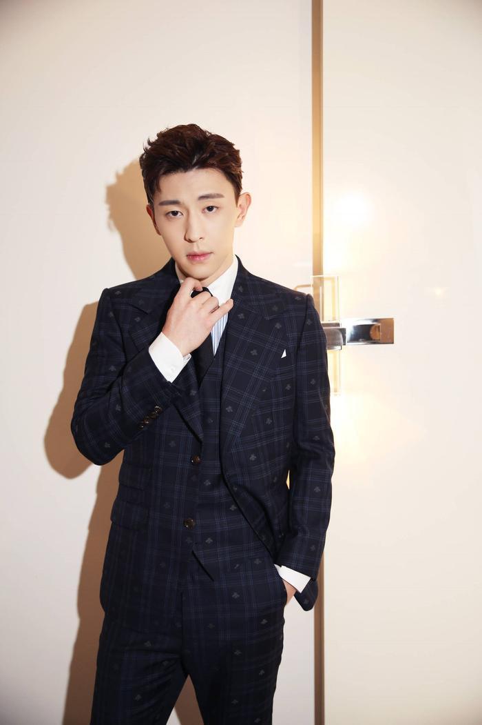 20 sao Cbiz được yêu thích tháng 3: Vương Tuấn Khải  Tiêu Chiến đứng đầu, Baekhyun xuất hiện như một vị thần! ảnh 8
