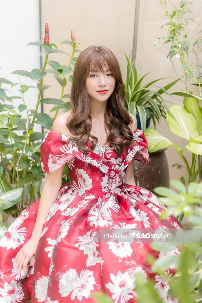 Cô nàng có lượng fan quốc tế đáng kể và được xem là một trong những Miss Earth xinh đẹp nhất.