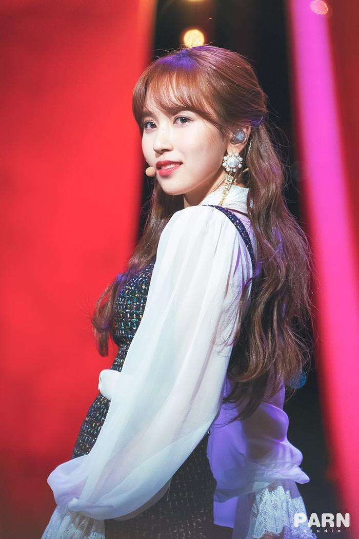 Những nàng Rapunzel sở hữu mái tóc dài quyến rũ của Kpop ảnh 14