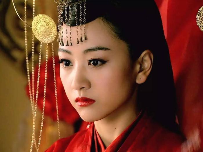 """Dương Dung trong phim """"Lục Trinh truyền kỳ""""."""