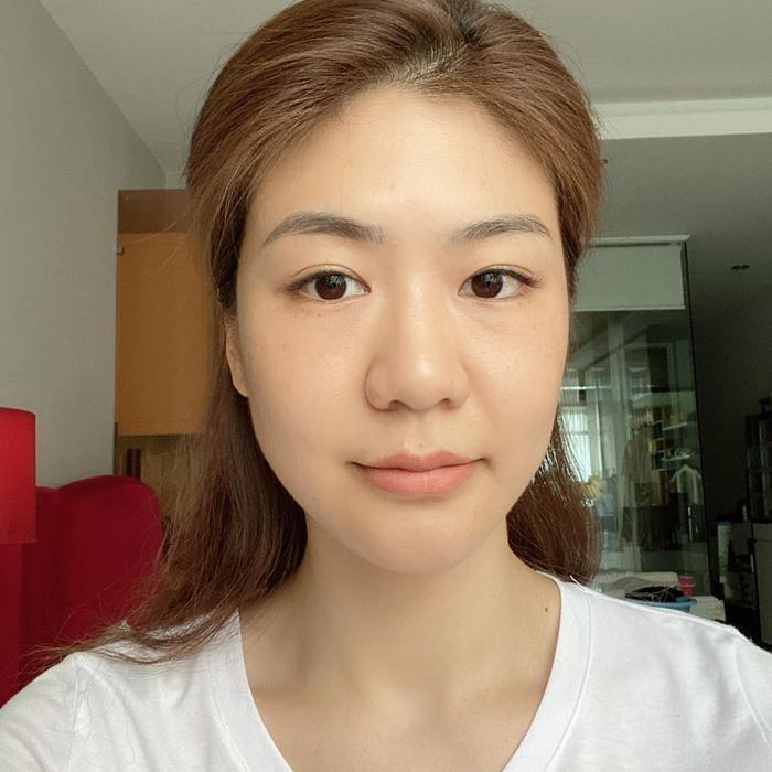 Nghỉ dịch lâu ngày, nữ cơ trưởng đầu tiên tại Việt Nam khiến dân tình lác mắt khi kiêm từ dạy học đến làm nails ảnh 5
