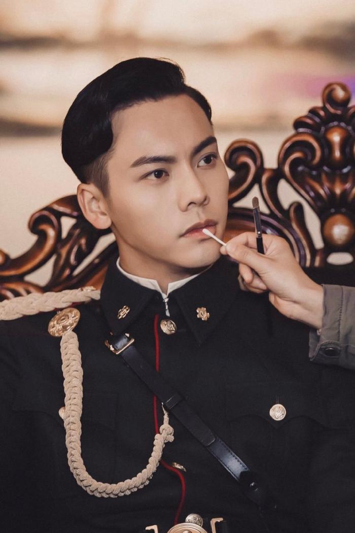 Nam thần mặc quân trang Trung Quốc: Hạng nhất khiến khán giả bất ngờ khi Trần Vỹ Đình hạng 10, Dịch Dương Thiên Tỉ hạng 2 ảnh 0