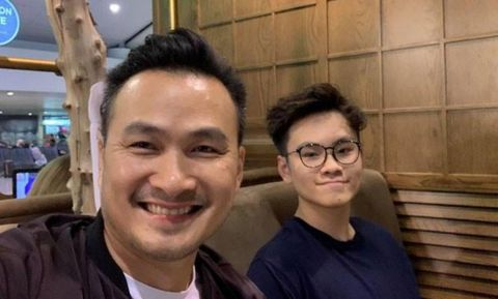 Con trai Chi Bảo kết thúc 14 ngày cách ly tập trung sau khi trở về từ Anh ảnh 1