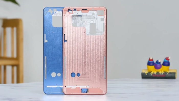 Bphone B86 được cho là smartphone đầu tiên không phím bấm.