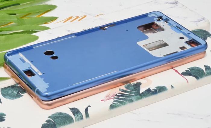 Màu xanh dương và vàng hồng có thể là 2 màu mới trên Bphone B86.