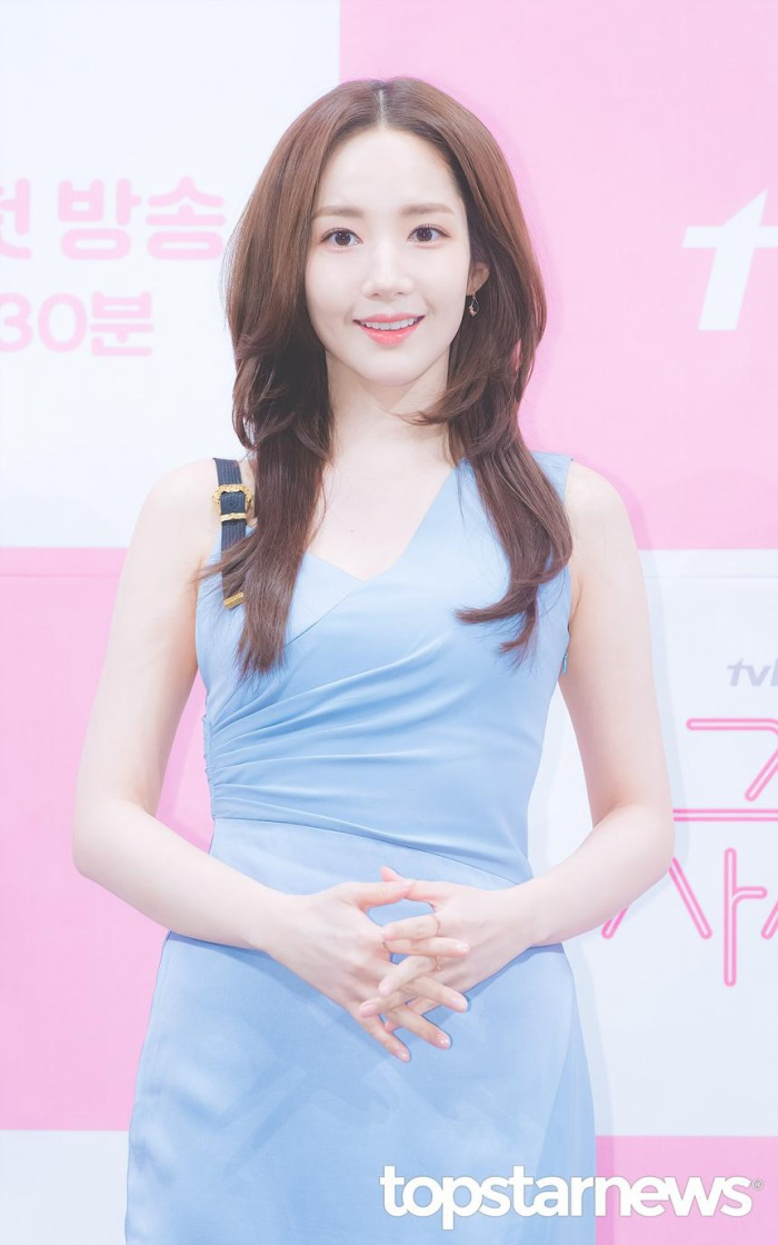 20 nữ diễn viên Hàn đẹp nhất mọi thời đại: Bạn gái cũ So Ji Sub đứng nhì, người top 1 có xứng đáng? ảnh 11