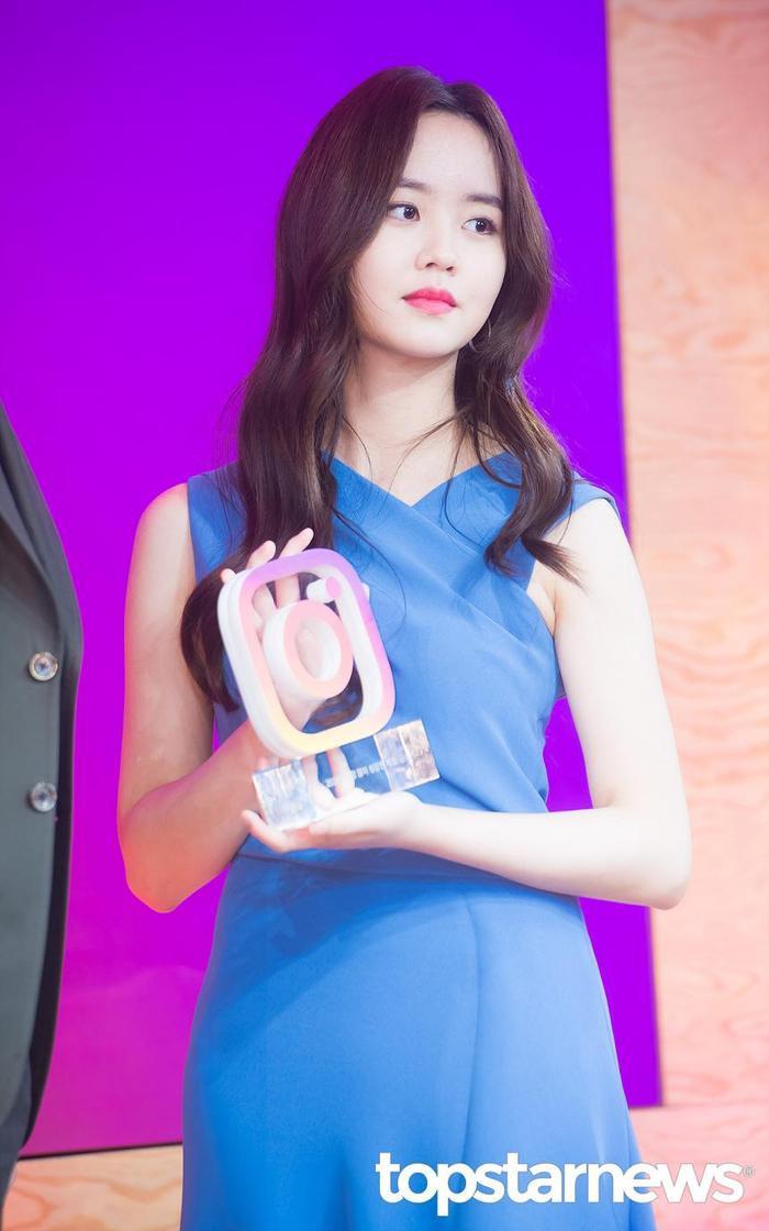 20 nữ diễn viên Hàn đẹp nhất mọi thời đại: Bạn gái cũ So Ji Sub đứng nhì, người top 1 có xứng đáng? ảnh 17