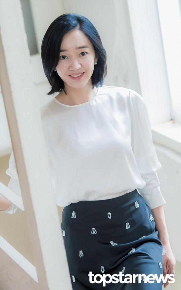 20 nữ diễn viên Hàn đẹp nhất mọi thời đại: Bạn gái cũ So Ji Sub đứng nhì, người top 1 có xứng đáng? ảnh 6