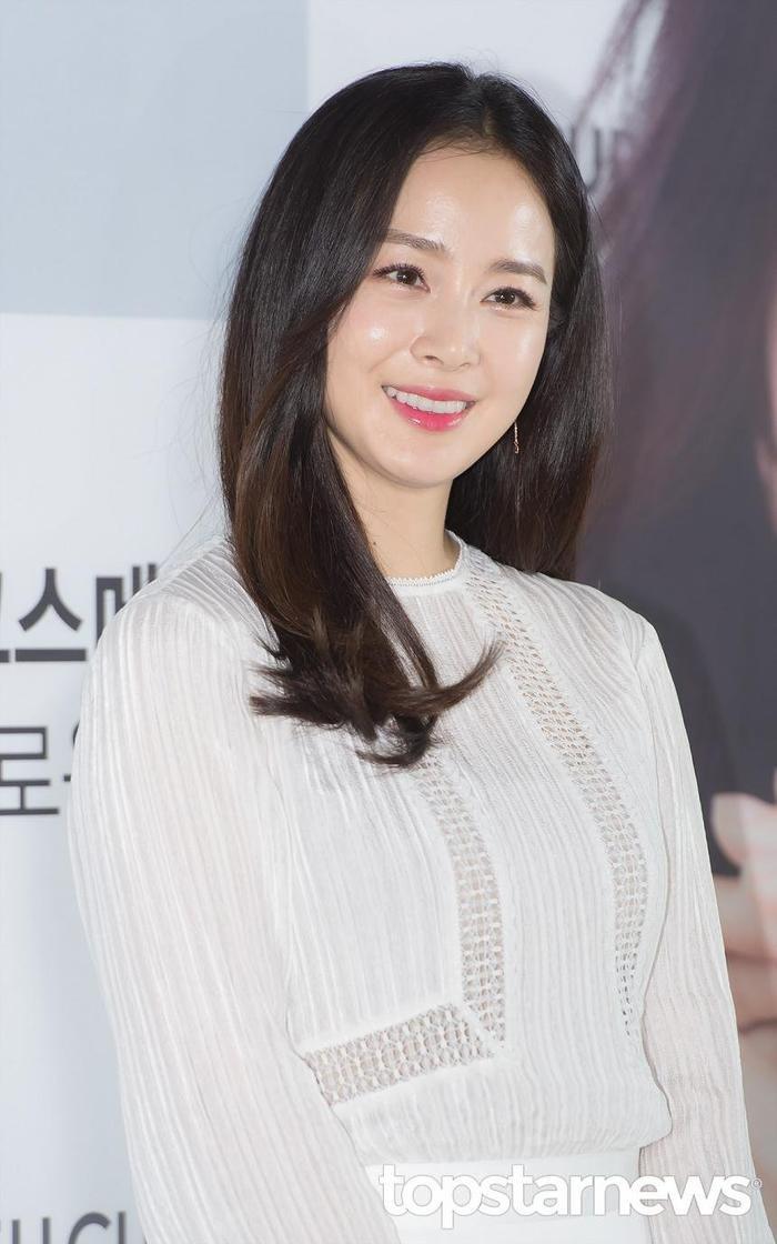 20 nữ diễn viên Hàn đẹp nhất mọi thời đại: Bạn gái cũ So Ji Sub đứng nhì, người top 1 có xứng đáng? ảnh 8