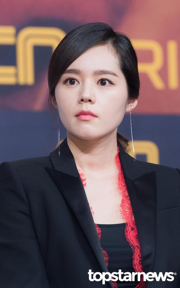 20 nữ diễn viên Hàn đẹp nhất mọi thời đại: Bạn gái cũ So Ji Sub đứng nhì, người top 1 có xứng đáng? ảnh 4