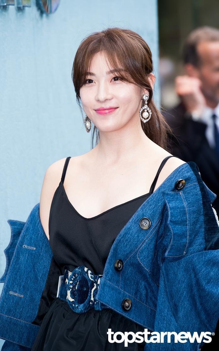 20 nữ diễn viên Hàn đẹp nhất mọi thời đại: Bạn gái cũ So Ji Sub đứng nhì, người top 1 có xứng đáng? ảnh 9