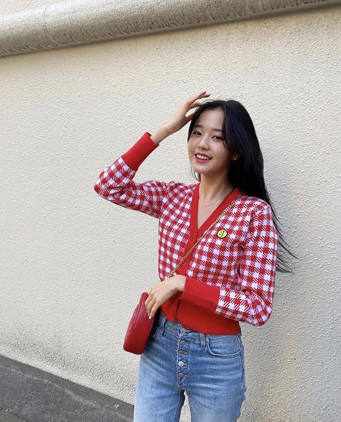 Jang Won Young (IZ*ONE) gây sốt với body gợi cảm ở tuổi 15, Knet: Bản nữ Cha Eun Woo, hậu duệ Jeon Ji Hyun! ảnh 8
