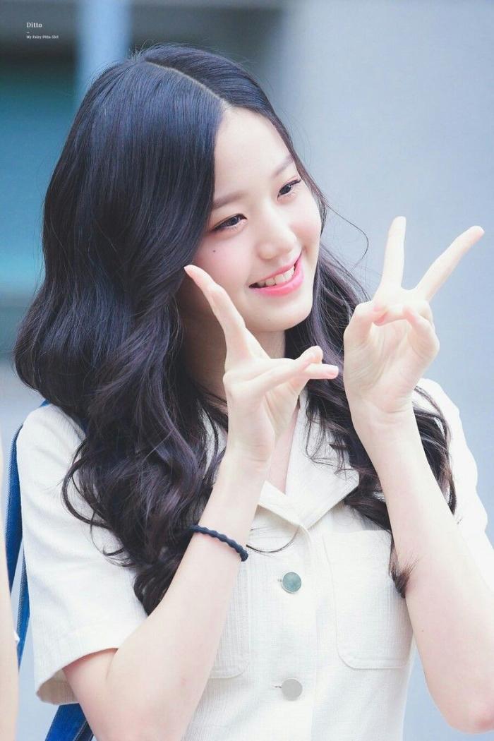 Jang Won Young (IZ*ONE) gây sốt với body gợi cảm ở tuổi 15, Knet: Bản nữ Cha Eun Woo, hậu duệ Jeon Ji Hyun! ảnh 12