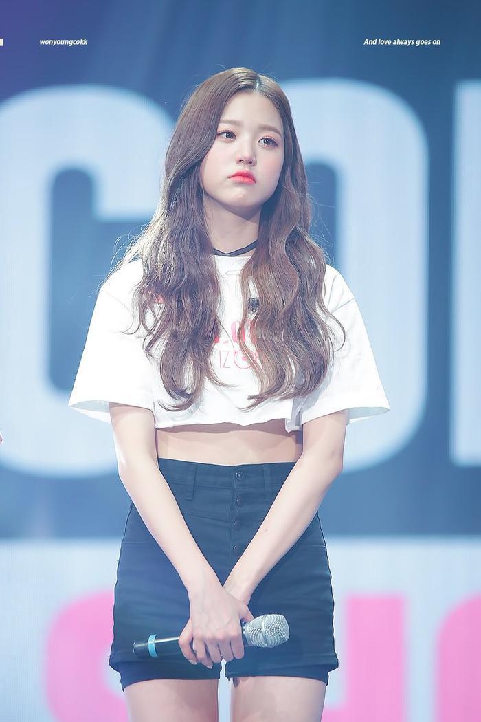 Jang Won Young (IZ*ONE) gây sốt với body gợi cảm ở tuổi 15, Knet: Bản nữ Cha Eun Woo, hậu duệ Jeon Ji Hyun! ảnh 19