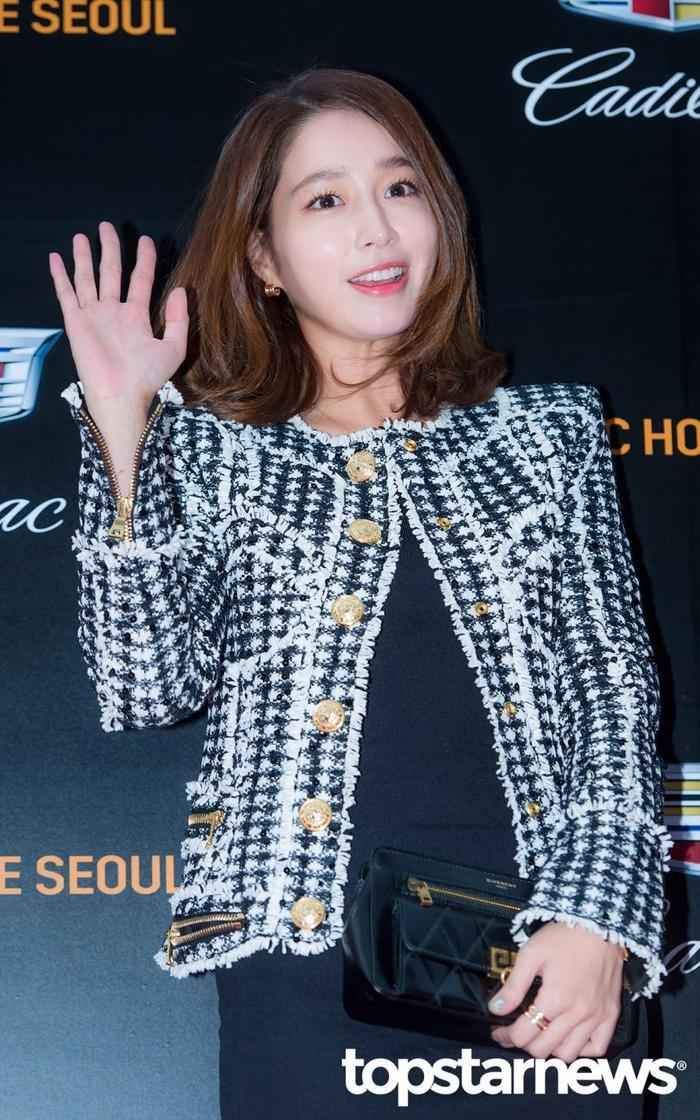 Lee Byung Hun dẫn con trai đến phim trường thăm vợ hờ của Lee Min Ho: Phát hờn vì ghen tỵ! ảnh 2