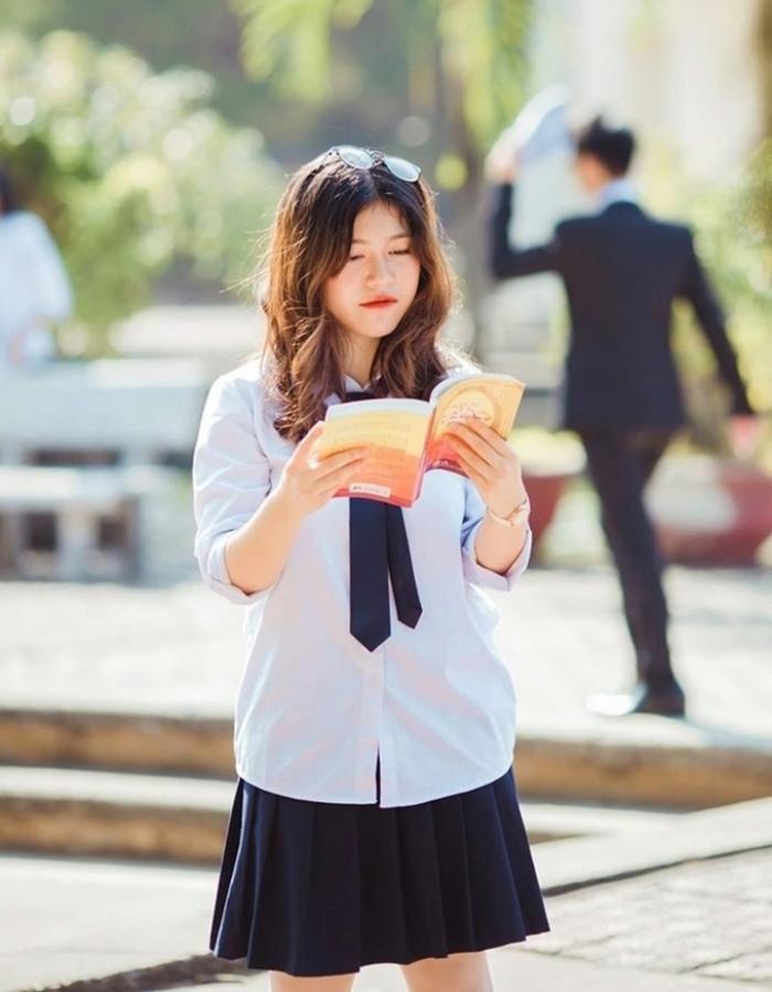 Góc 'con nhà người ta': Nữ sinh đạt điểm SAT 760/800, thành thạo 3 thứ tiếng, nhận học bổng toàn phần của VinUni