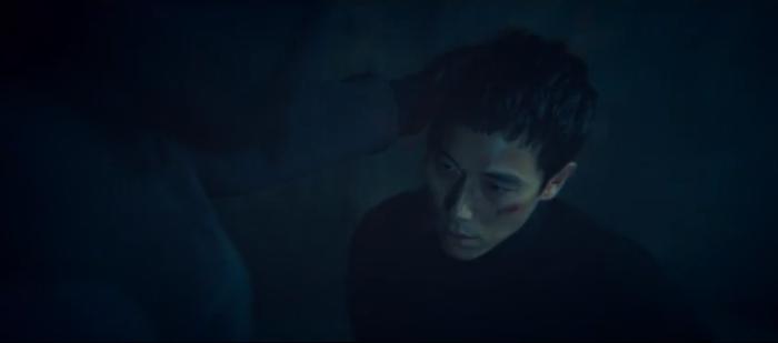 Tập 10 Memorist  Hồi ức: Chạm mặt tên sát thủ, Dong Baek tặng hắn 2 viên đạn vào ngực ảnh 1
