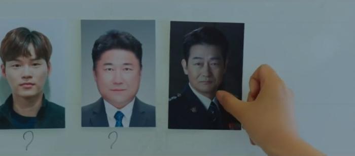 Tập 10 Memorist  Hồi ức: Chạm mặt tên sát thủ, Dong Baek tặng hắn 2 viên đạn vào ngực ảnh 8