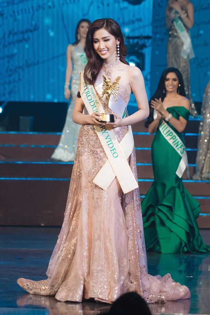 Đỗ Nhật Hà dừng chân ở vị trí Top 6 Miss International Queen 2019 khiến fan vô cùng tiếc nuối.