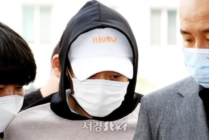 11 sao Hàn dính scandal quấy rối tình dục: Có cả IU và Jisoo! Ảnh 11