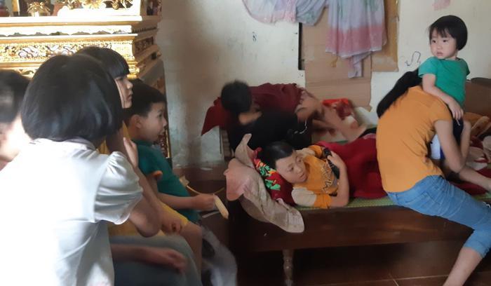 Cuộc sống hiện tại của cặp vợ chồng 29 tuổi đẻ sòn sòn 8 con ở Hà Nội: 'Nhà thoát nghèo rồi, dịch bệnh các con phụ giúp bố xây nhà' ảnh 3