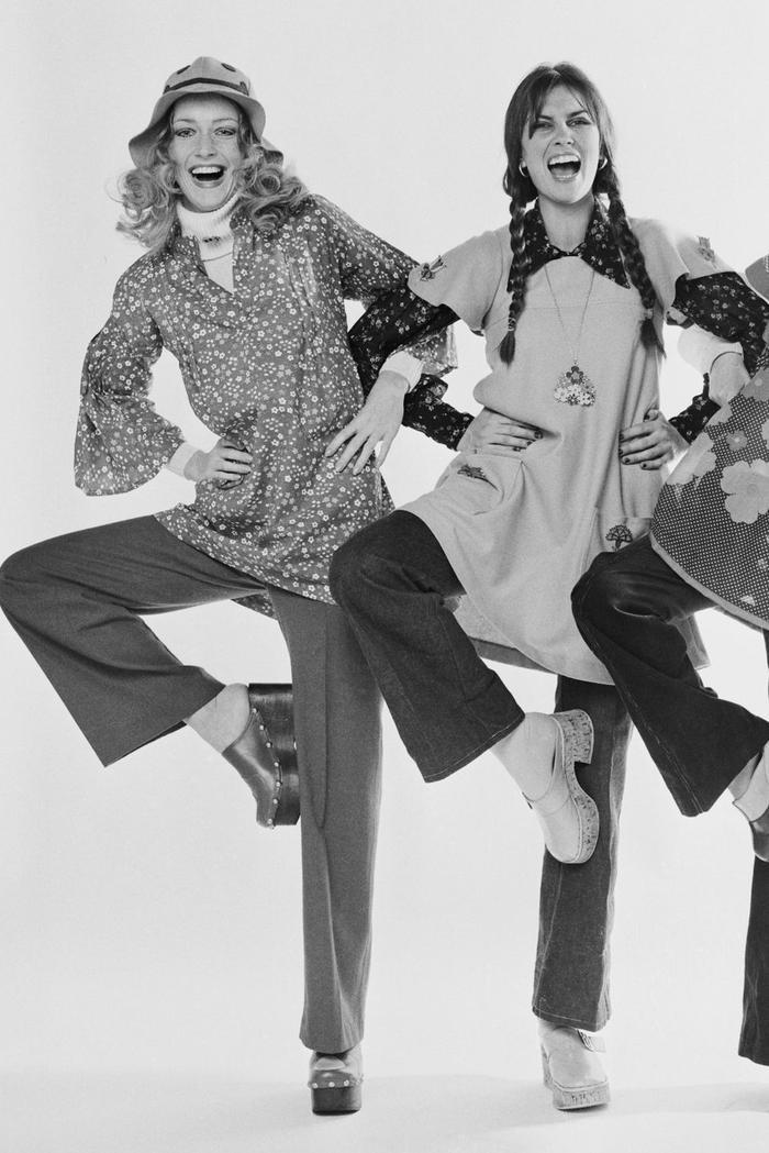 Những cơn sốt thời trang thập niên 70 đang đổ bộ vào mùa hè 2020 ảnh 4