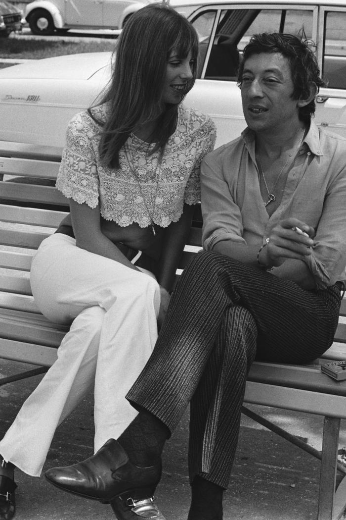 Những cơn sốt thời trang thập niên 70 đang đổ bộ vào mùa hè 2020 ảnh 19