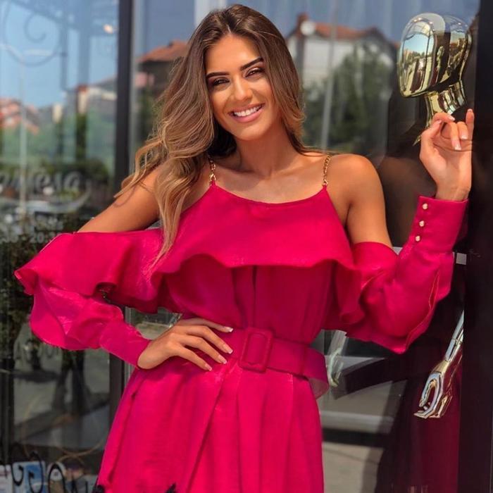 Ngoài gương mặt đẹp không góc chết,Marigona Krasniqi còn sở hữu chiều cao khủng 1m81.