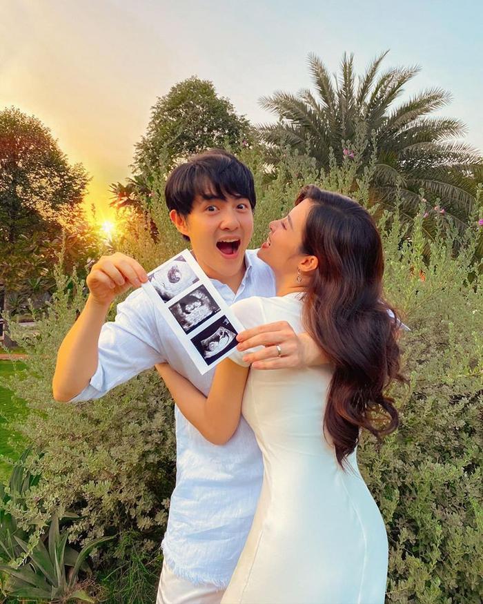 Đông Nhi gửi lời ngọt ngào tới em bé trong bụng: Đôi lúc mẹ vẫn chấp chới giữa 2 cảm xúc ảnh 0