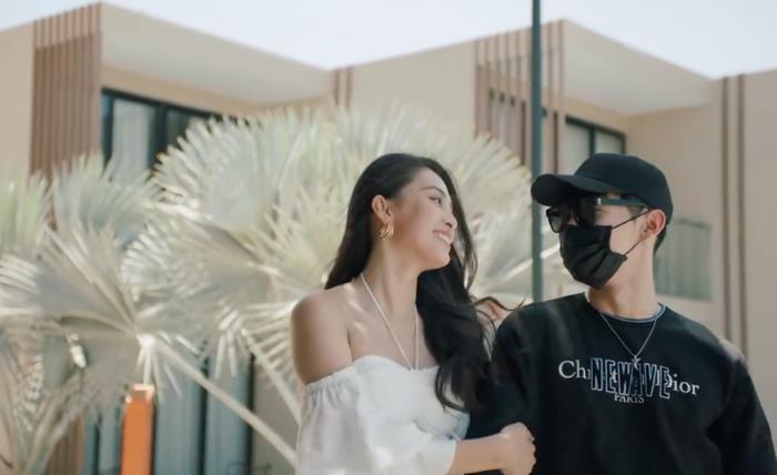 Khi Hoa hậu bẻ lái diễn xuất trong MV: Liệu nhan sắc có cân được thực lực? ảnh 2
