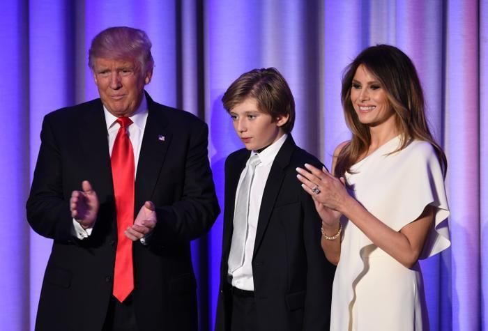 Cậu út nhà Trump học tại Trường Giám mục St. Andrew's.