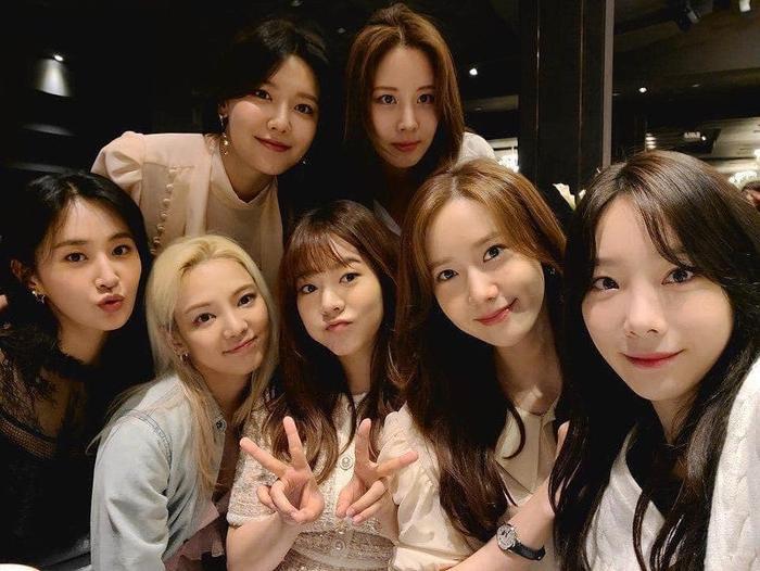 7 thành viên SNSD bất ngờ tái hợp, có luôn sân khấu trình diễn siêu cưng tại đám cưới quản lý ảnh     3